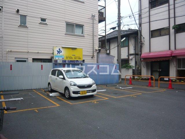 メゾン・ド・カナリ 306号室の駐車場