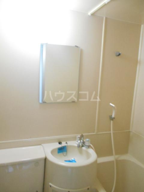 カーサ三軒茶屋 103号室の洗面所