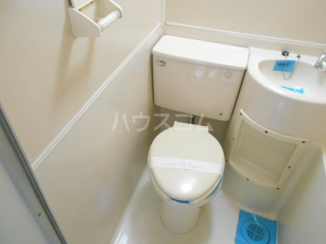 カーサ三軒茶屋 103号室のトイレ
