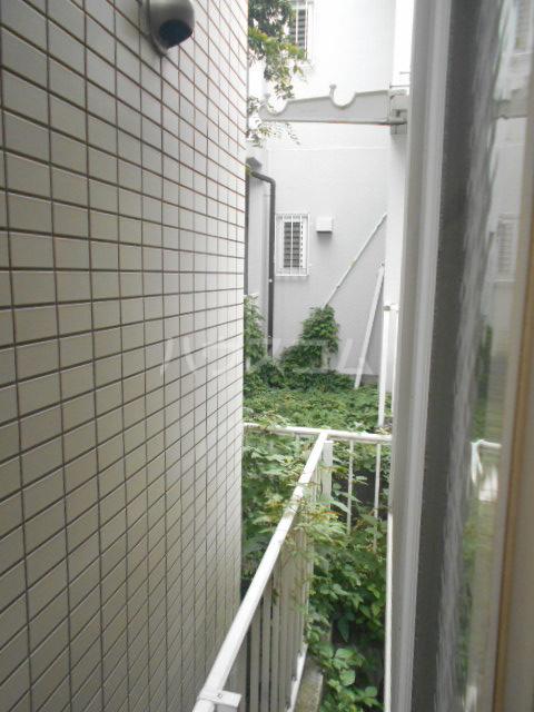 カーサ三軒茶屋 103号室のバルコニー