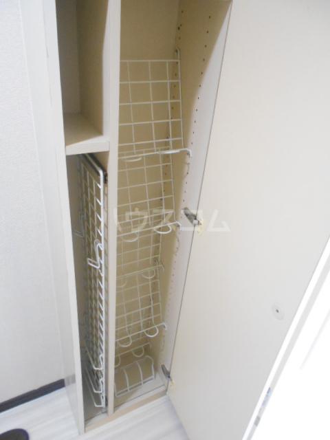 カーサ三軒茶屋 103号室の収納
