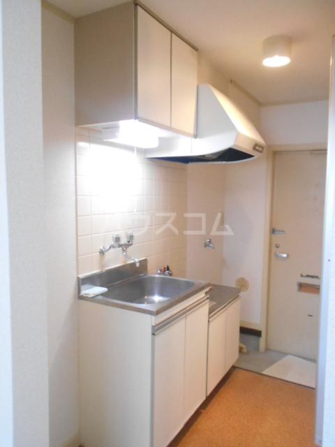 グランドルーフ 202号室のキッチン