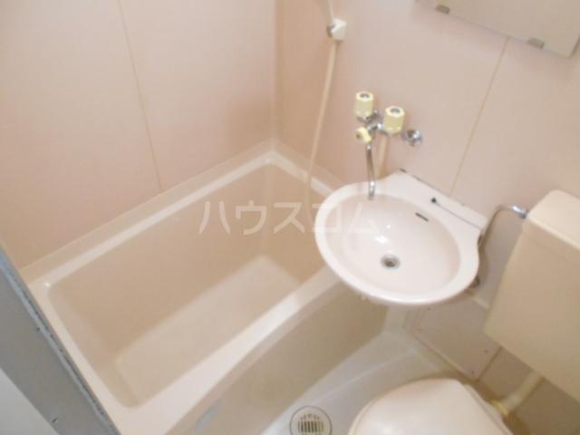 グランドルーフ 202号室の風呂