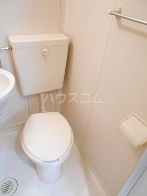 グランドルーフ 202号室のトイレ