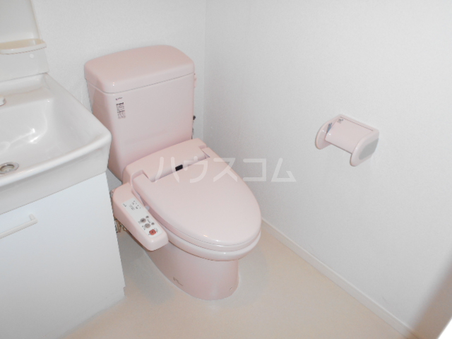 ロジェ三軒茶屋 205号室のトイレ