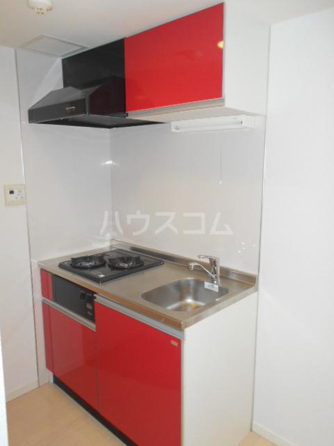 ロジェ三軒茶屋 205号室のキッチン