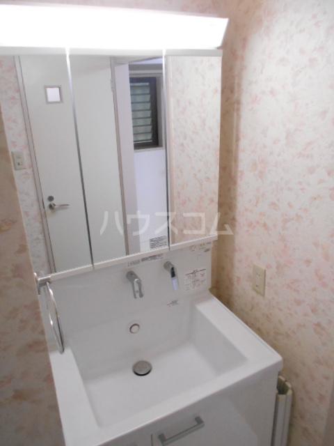 リシェール太子堂 101号室の洗面所