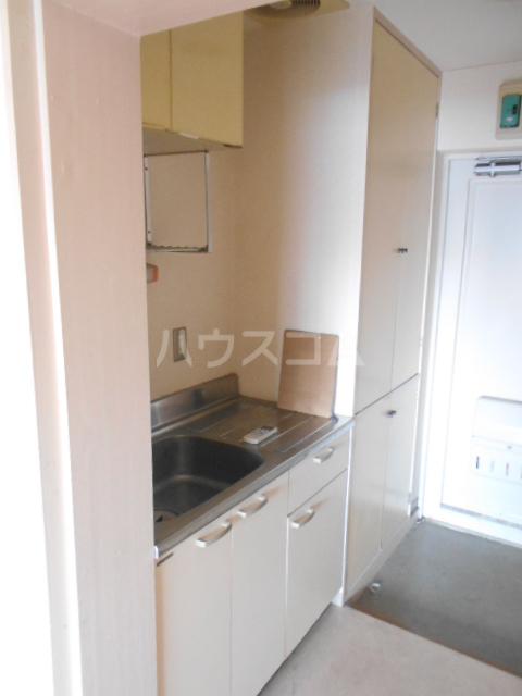 ハウス武内 302号室のキッチン
