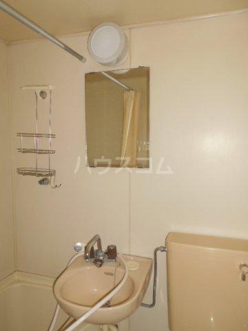ハウス武内 302号室の洗面所