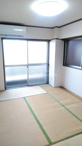 杉田ハイツ 301号室のベッドルーム