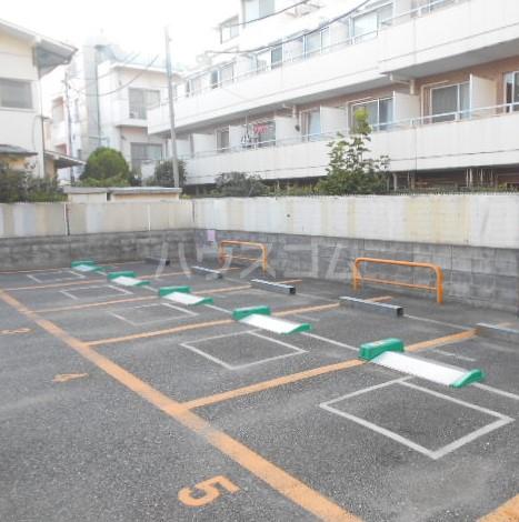 杉田ハイツ 301号室の駐車場