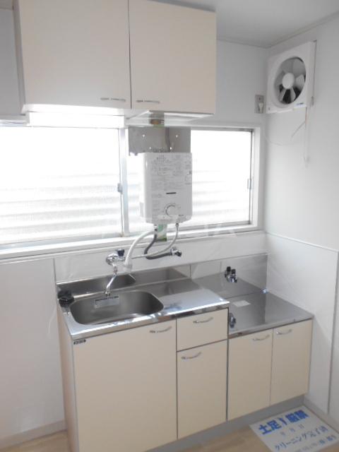 コーポ・コトブキ 201号室のキッチン