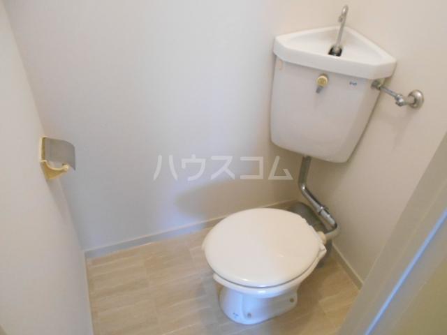 コーポ・コトブキ 201号室のトイレ