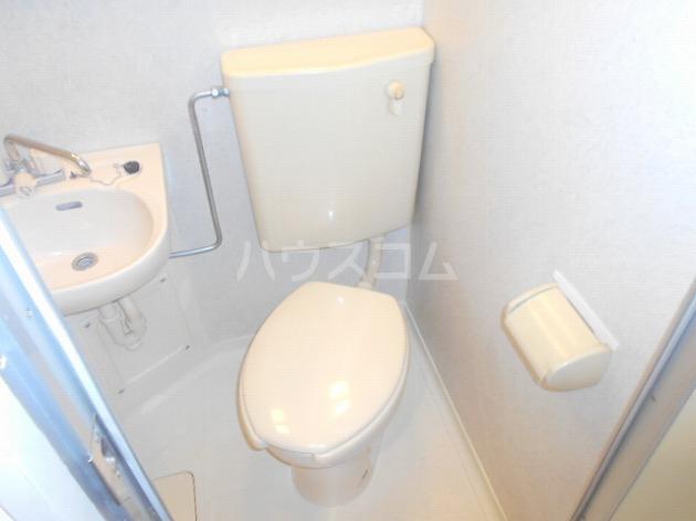 日神パレステージ三軒茶屋 410号室のトイレ