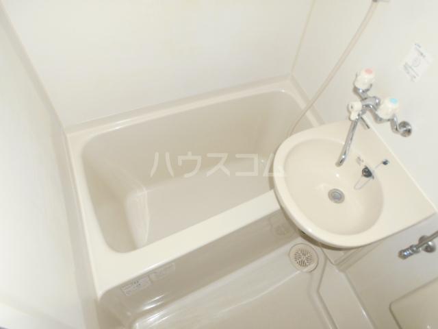 ゼロップ野沢 103号室の風呂