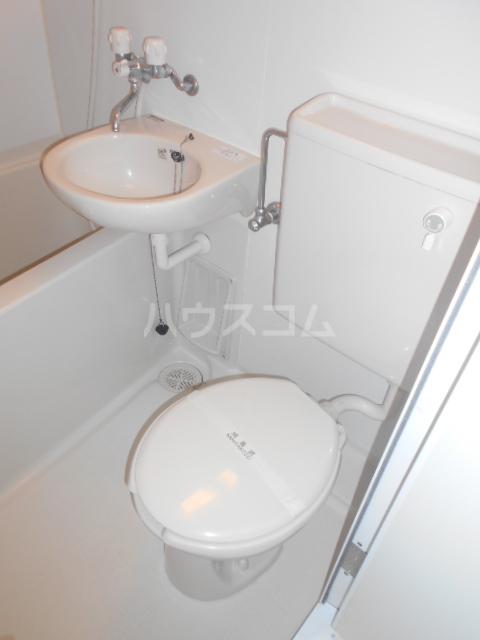 ゼロップ野沢 107号室のトイレ
