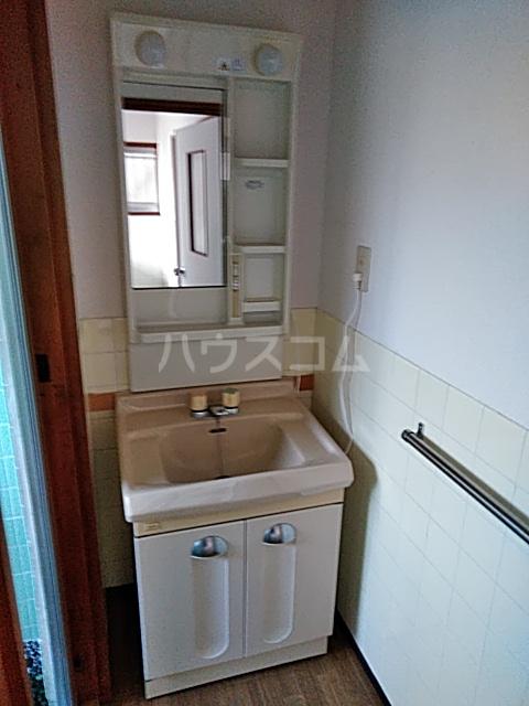 斉藤荘 102号室の洗面所