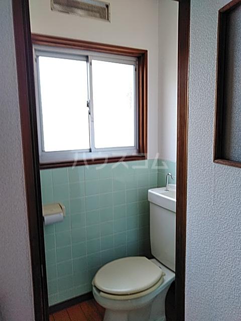 斉藤荘 102号室のトイレ