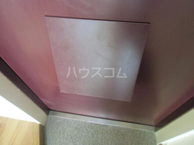 CRADLE 203号室の玄関