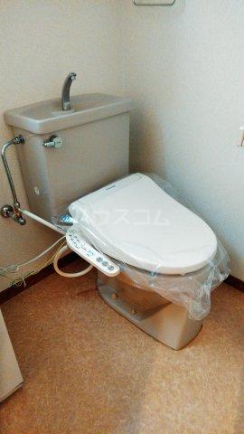 アスティムーラ 206号室のトイレ