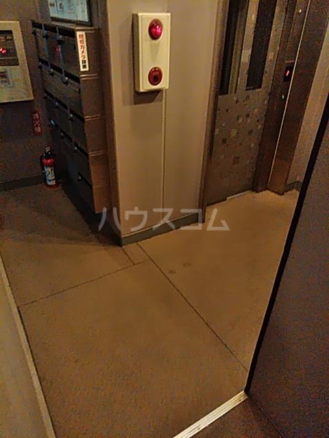 セリーヌ池尻大橋 601号室のロビー