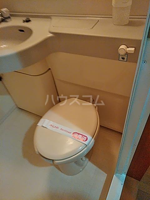 セリーヌ池尻大橋 601号室のトイレ
