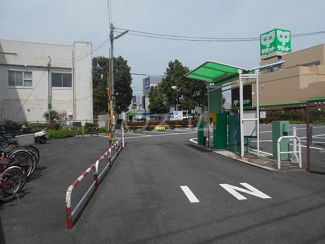 シティコーポ野沢 404号室の駐車場