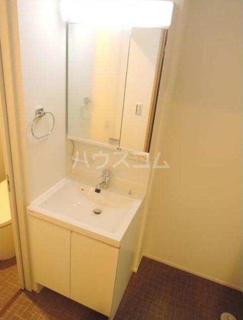 シャレイ学芸大学 102号室の洗面所