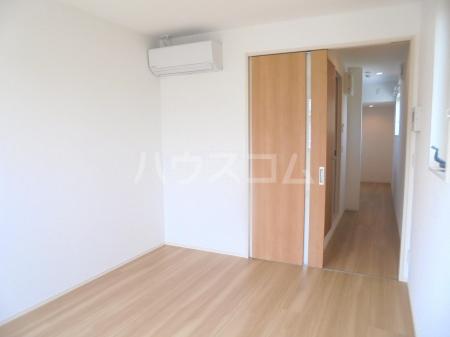 ヴィラージュF 201号室のベッドルーム