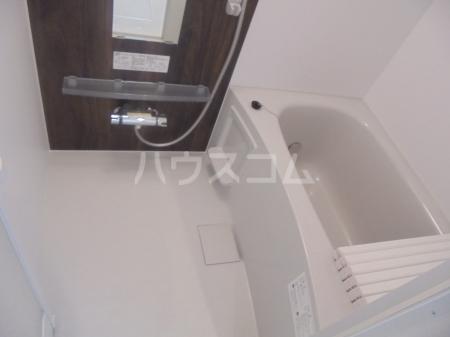 ヴィラージュF 201号室の風呂