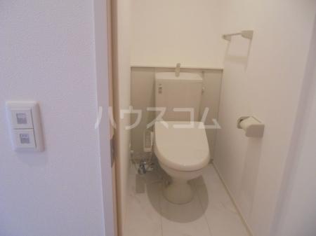 ヴィラージュF 201号室のトイレ