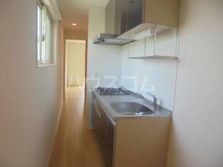 ヴィラージュF 201号室のキッチン