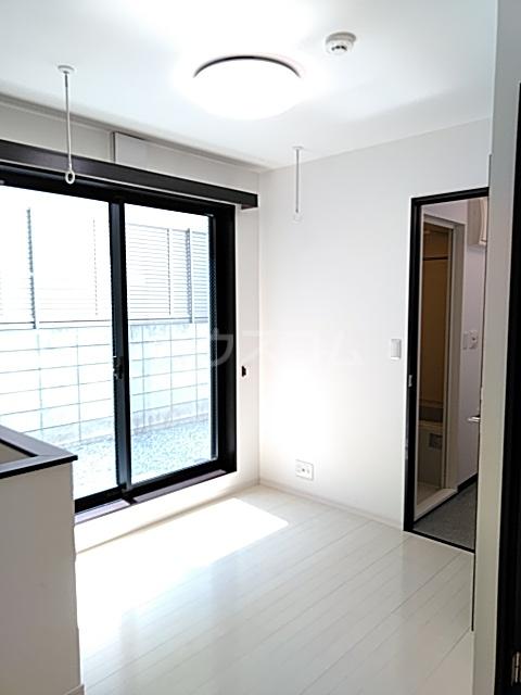 Residence Nakameguro 102号室のリビング
