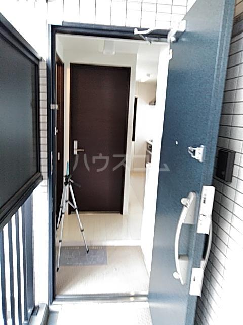 Residence Nakameguro 301号室の玄関