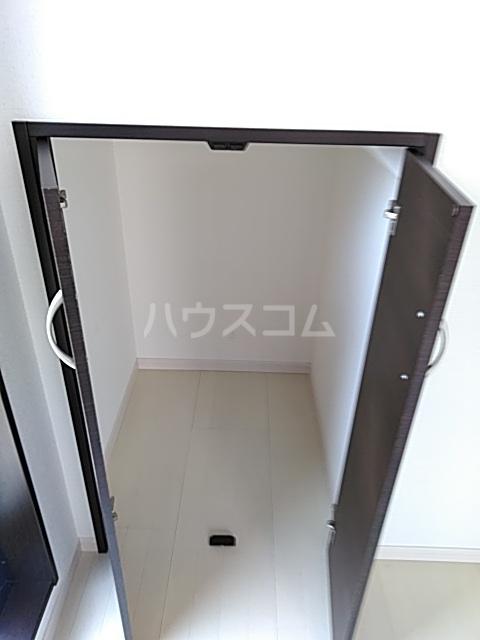 Residence Nakameguro 301号室の収納