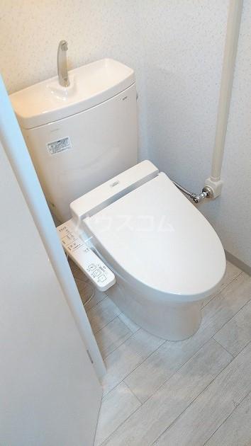 中銀世田谷マンション1号館 403号室のトイレ