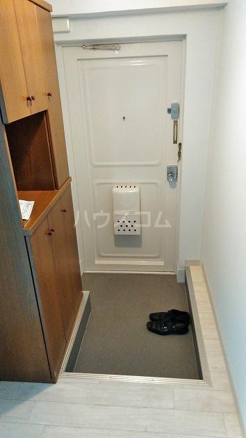 中銀世田谷マンション1号館 403号室の玄関