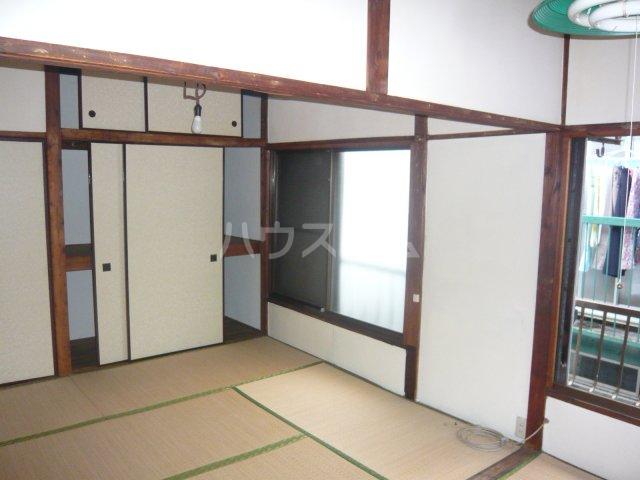 大和荘 本館 215号室のリビング