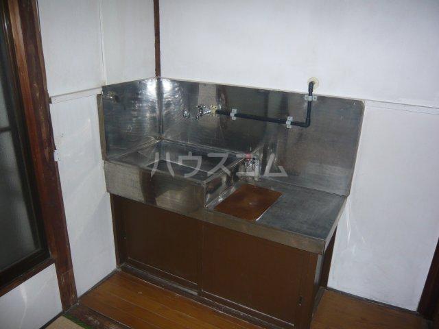 大和荘 本館 215号室のキッチン