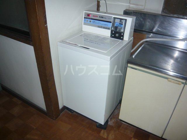 大和荘 本館 215号室の洗面所