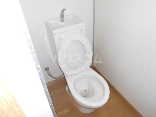 あじさいルーム 201号室のトイレ