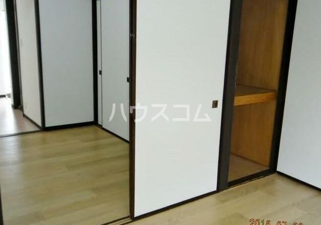 田中ビル 203号室の玄関