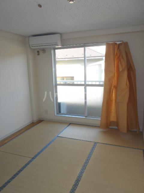アートピア駒沢 204号室のリビング