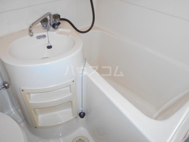 アートピア駒沢 204号室の風呂