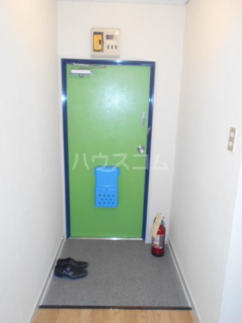 アートピア駒沢 204号室の玄関