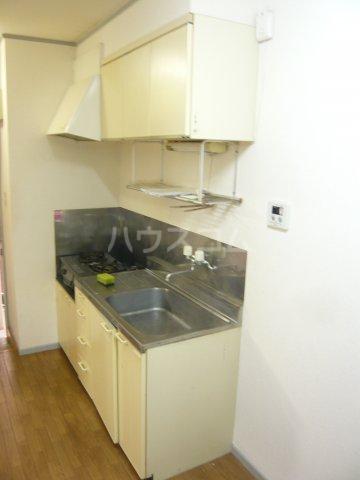 メゾン イサム 205号室のキッチン