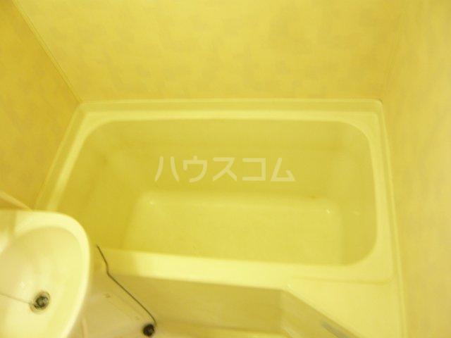 メゾン イサム 205号室の風呂