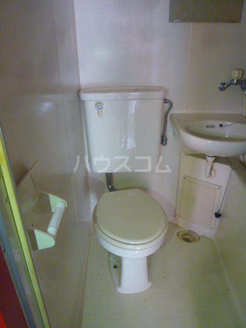 コンド六番館 305号室のトイレ