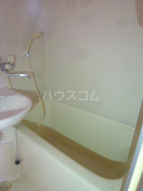 コンド六番館 305号室の風呂