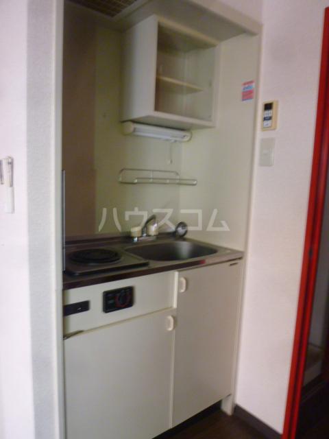 コンド六番館 305号室のキッチン